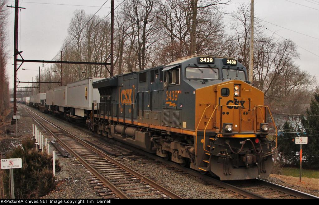 CSX 3439 DPU on Q032